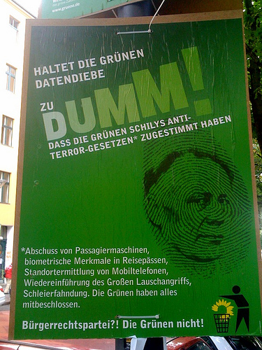 http://blog.die-linke.de/digitalelinke/wp-content/uploads/Die_Gruenen_Fail.jpg
